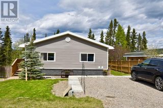 Photo 1: 112 Fir Avenue in Hinton: House for sale : MLS®# A1107925