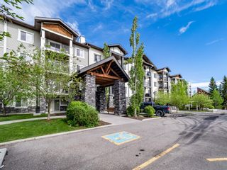 Photo 2: 404 6315 RANCHVIEW Drive NW in Calgary: Ranchlands Apartment for sale : MLS®# A1117859