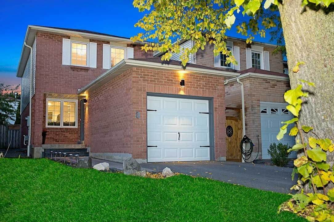 Main Photo: 8 Drew Court in Whitby: Pringle Creek House (2-Storey) for sale : MLS®# E4958975