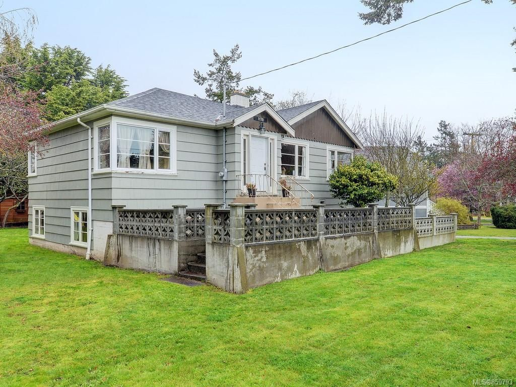Main Photo: 1170 Munro St in : Es Saxe Point House for sale (Esquimalt)  : MLS®# 859793