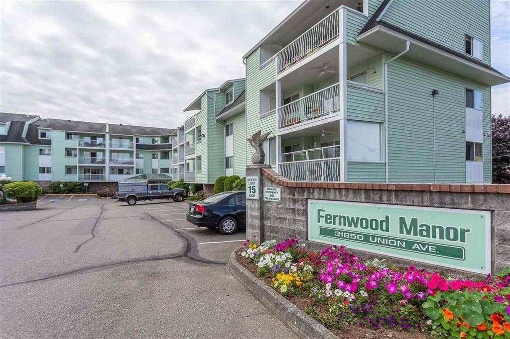 "Main Photo: 216 31850 UNION Avenue in Abbotsford: Abbotsford West Condo for sale in ""FERNWOOD MANOR"" : MLS®# R2419355"