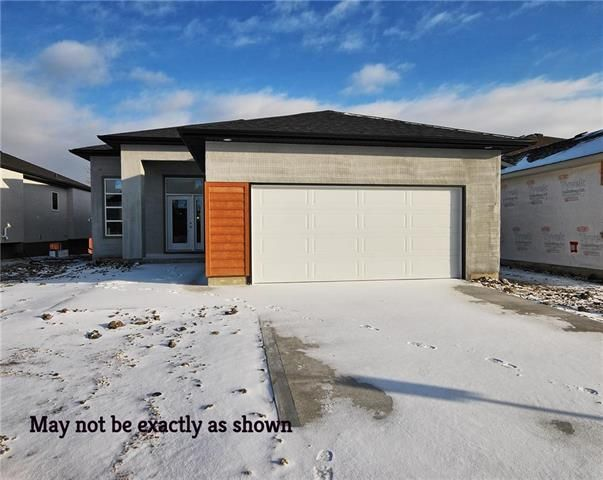 Main Photo: 114 Hofsted Drive in Winnipeg: Charleswood Residential for sale (1H)  : MLS®# 1903367
