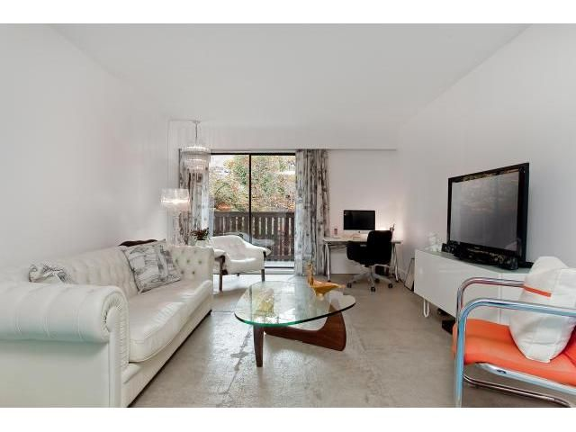 """Main Photo: # 104 930 E 7TH AV in Vancouver: Mount Pleasant VE Condo for sale in """"Windsor Park"""" (Vancouver East)  : MLS®# V918328"""