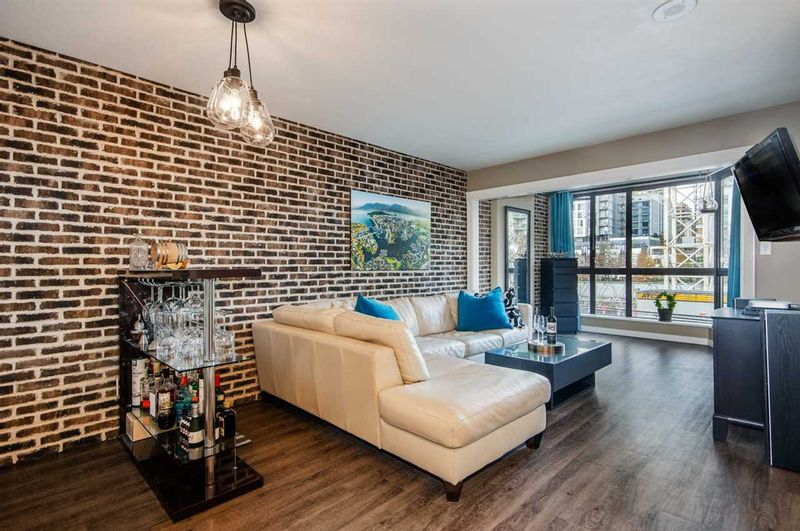 FEATURED LISTING: 306 - 488 HELMCKEN Street Vancouver