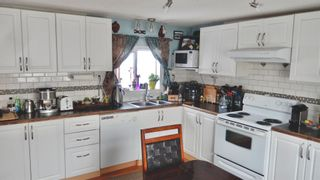 """Photo 4: 9 7128 OTWAY Road in Prince George: Cranbrook Hill Manufactured Home for sale in """"SOUTH SHORE TRAILER PARK"""" (PG City West (Zone 71))  : MLS®# R2598224"""