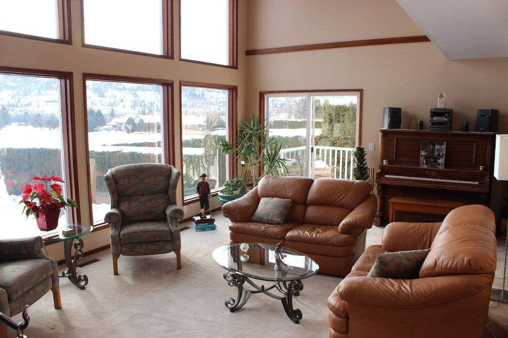 Photo 2: Photos: 3472 Navatanee Drive in Kamloops: South Thompson House for sale : MLS®# 130771