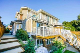 Photo 1: 205 E 18TH Street in North Vancouver: Central Lonsdale 1/2 Duplex for sale : MLS®# R2503676