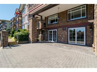 "Photo 3: 204 19939 55A Avenue in Langley: Langley City Condo for sale in ""Madison Crossing"" : MLS®# R2261484"