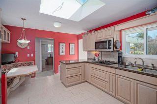 """Photo 9: 4264 ATLEE Avenue in Burnaby: Deer Lake Place House for sale in """"DEER LAKE PLACE"""" (Burnaby South)  : MLS®# R2571453"""
