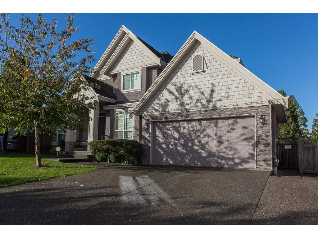 Main Photo: 8741 163A Street in Surrey: Fleetwood Tynehead House for sale : MLS®# R2117160