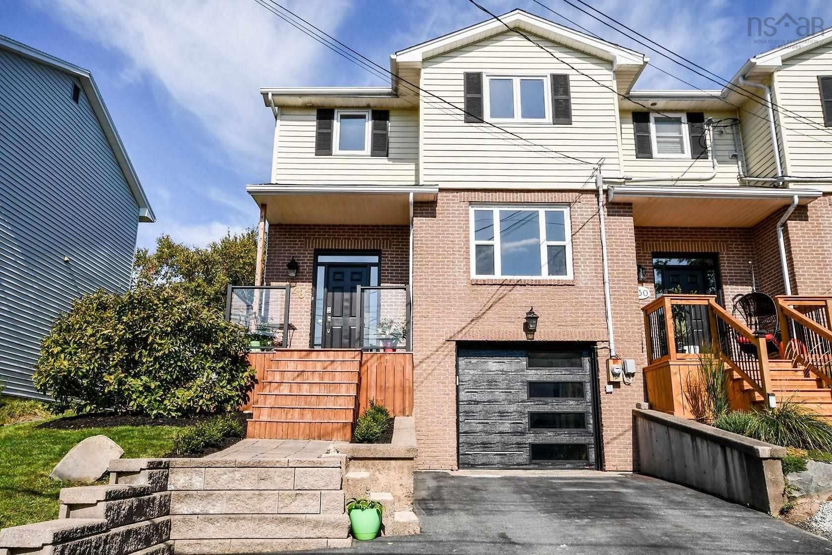 Main Photo: 128 Roy Crescent in Bedford: 20-Bedford Residential for sale (Halifax-Dartmouth)  : MLS®# 202125659