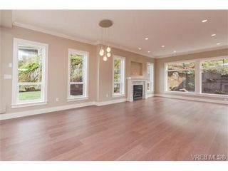 Photo 6: 3649 Coleman Pl in VICTORIA: Co Latoria House for sale (Colwood)  : MLS®# 685080