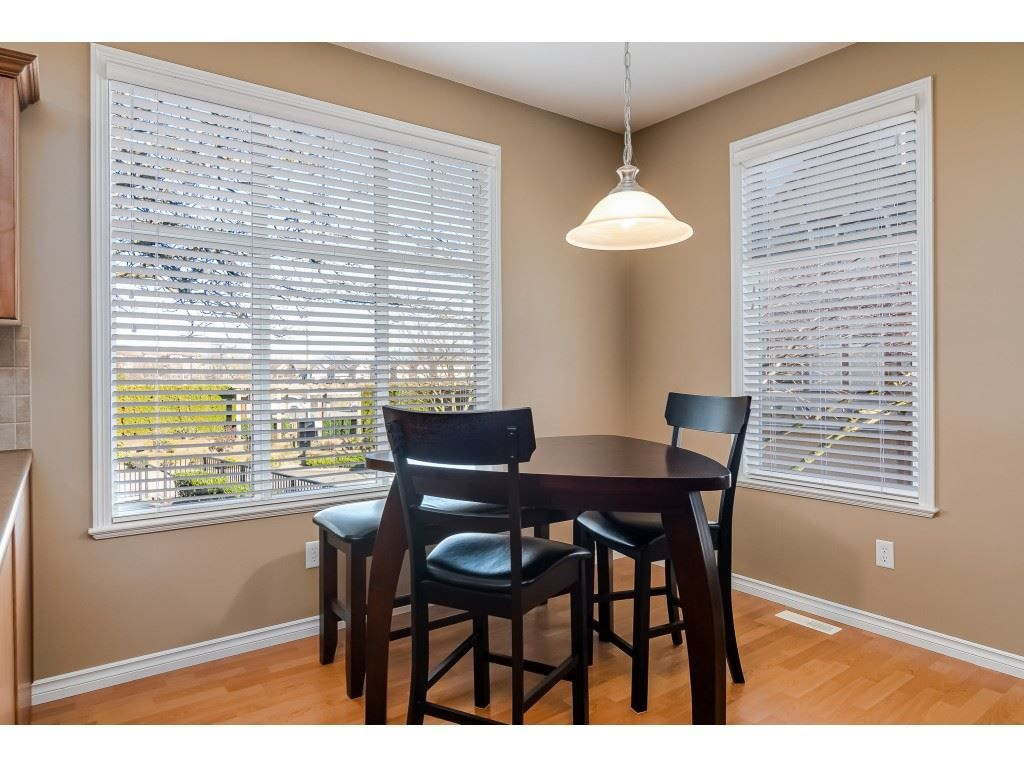 """Photo 8: Photos: 5 6588 188 Street in Surrey: Cloverdale BC Townhouse for sale in """"HILLCREST PLACE"""" (Cloverdale)  : MLS®# R2532394"""