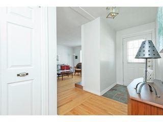 Photo 2: 18 OAKVIEW AVENUE in Ottawa: House for sale : MLS®# 1138366