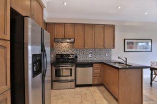 Photo 3: 211 Worthview Drive in Vaughan: West Woodbridge House (2-Storey) for sale : MLS®# N3459890