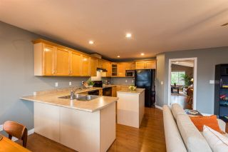 Photo 4: 11586 239A Street in Maple Ridge: Cottonwood MR House for sale : MLS®# R2256285