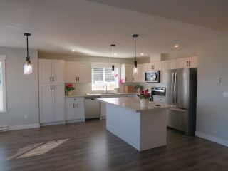 """Photo 8: 5638 KINGBIRD Crescent in Sechelt: Sechelt District House for sale in """"SilverStone Heights Phase2"""" (Sunshine Coast)  : MLS®# R2466064"""