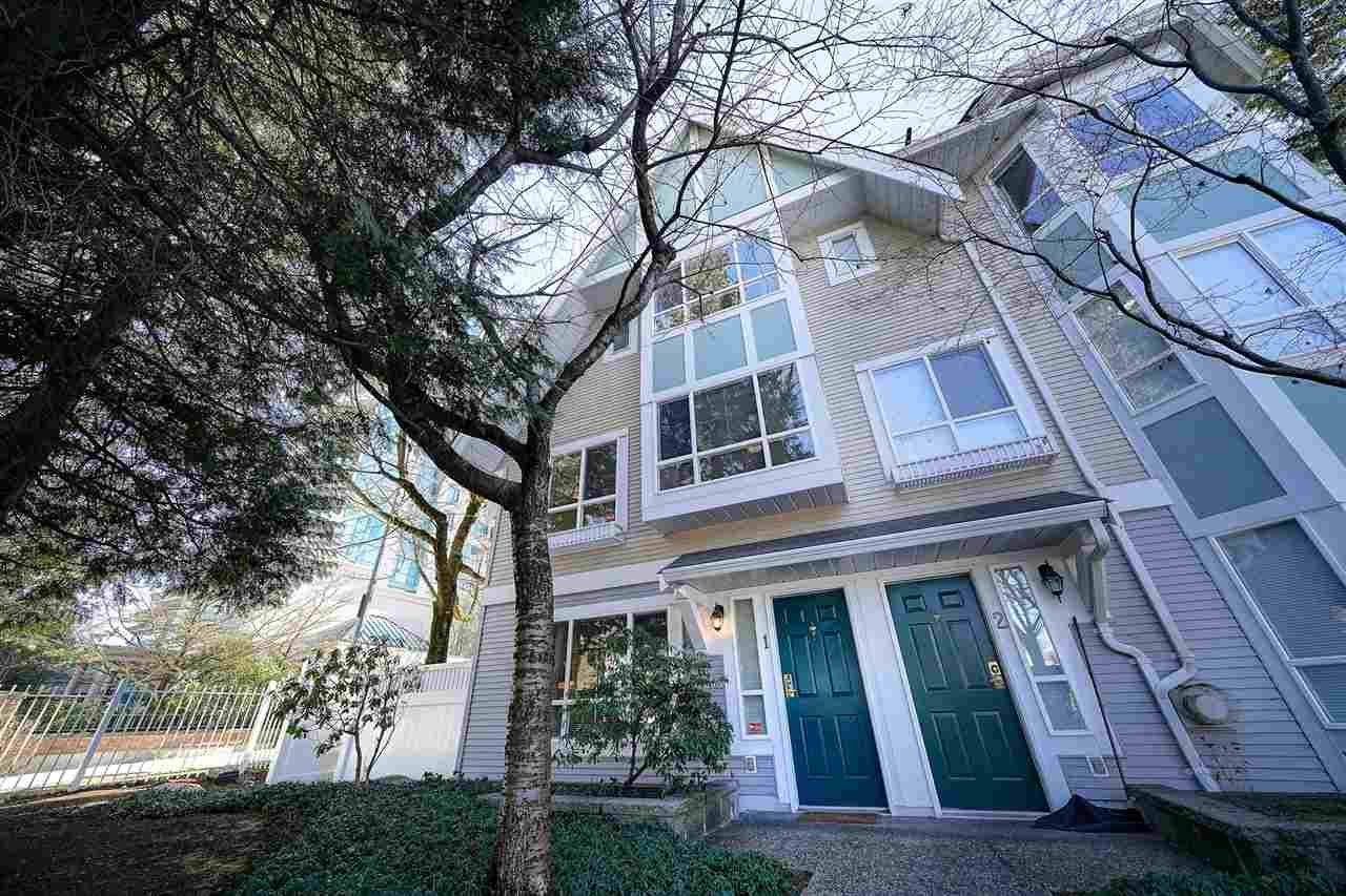 """Main Photo: 1 6588 SOUTHOAKS Crescent in Burnaby: Highgate Townhouse for sale in """"TUDOR GROVE"""" (Burnaby South)  : MLS®# R2343498"""