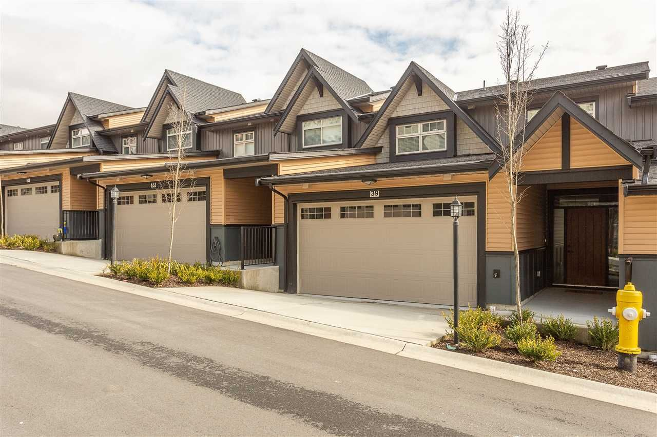 """Main Photo: 39 10525 240 Street in Maple Ridge: Albion Townhouse for sale in """"MAGNOLIA GROVE"""" : MLS®# R2348928"""