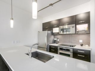 """Photo 4: 403 3333 MAIN Street in Vancouver: Main Condo for sale in """"3333 MAIN"""" (Vancouver East)  : MLS®# R2191207"""