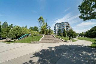 """Photo 32: 202 2181 W 12TH Avenue in Vancouver: Kitsilano Condo for sale in """"The Carlings"""" (Vancouver West)  : MLS®# R2579636"""