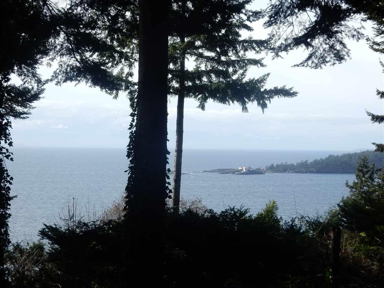 Main Photo: 8045 REDROOFFS Road in Halfmoon Bay: Halfmn Bay Secret Cv Redroofs House for sale (Sunshine Coast)  : MLS®# R2040225
