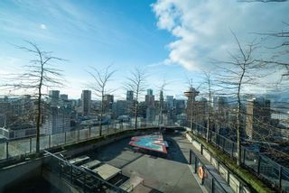 """Photo 23: 3208 128 W CORDOVA Street in Vancouver: Downtown VW Condo for sale in """"Woodwards (W43)"""" (Vancouver West)  : MLS®# R2538391"""