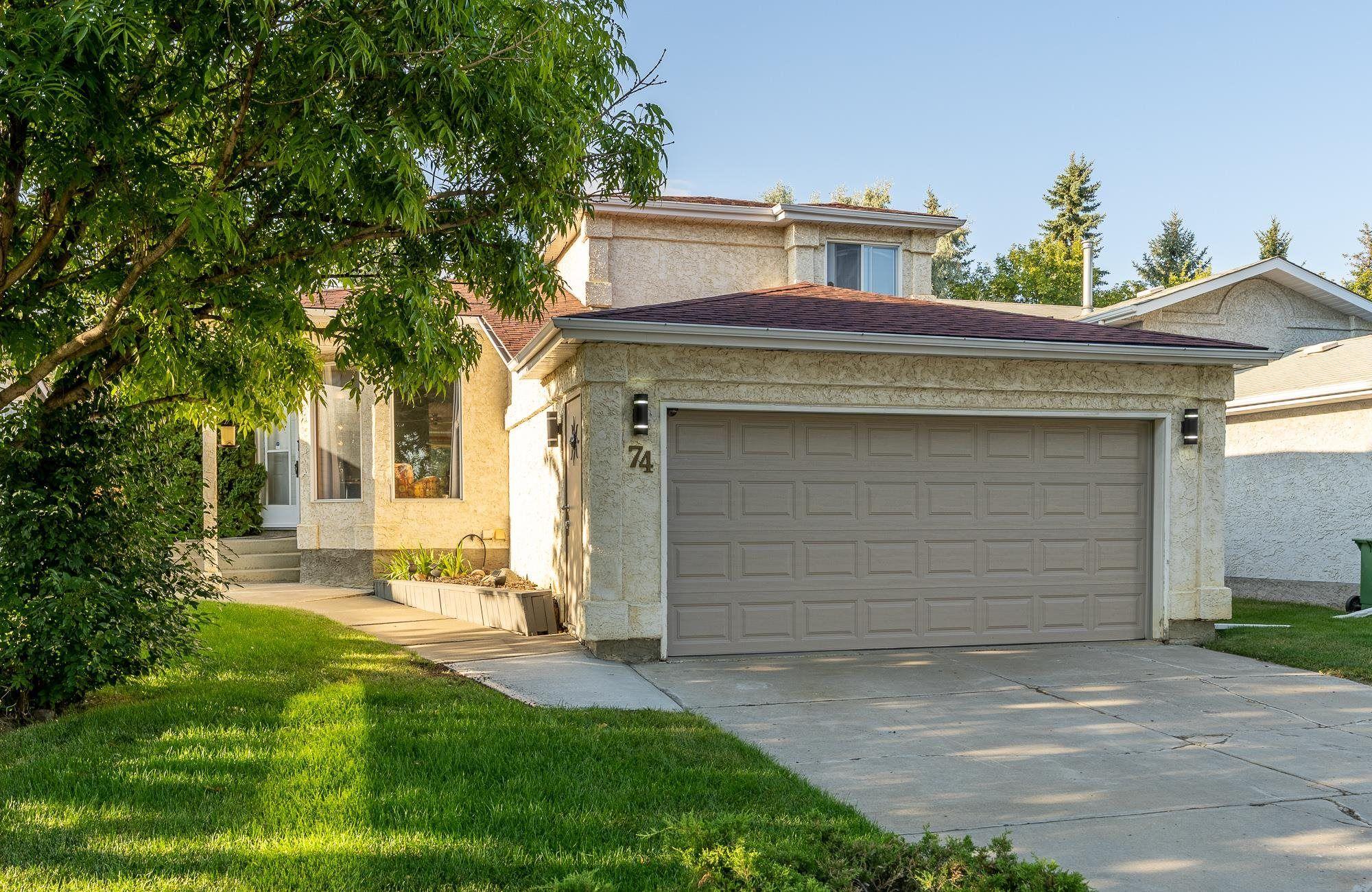 Main Photo: 74 DEERBOURNE Drive: St. Albert House for sale : MLS®# E4259846