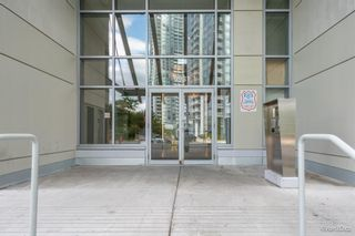 """Photo 3: 2701 9981 WHALLEY Boulevard in Surrey: Whalley Condo for sale in """"PARK PLACE ii"""" (North Surrey)  : MLS®# R2608443"""
