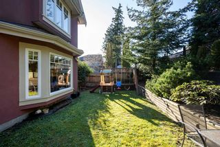 Photo 3: 2526 SE MARINE Drive in Vancouver: South Marine House for sale (Vancouver East)  : MLS®# R2556122