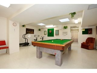 "Photo 17: 311 5955 177B Street in Surrey: Cloverdale BC Condo for sale in ""WINDSOR PLACE"" (Cloverdale)  : MLS®# F1433073"