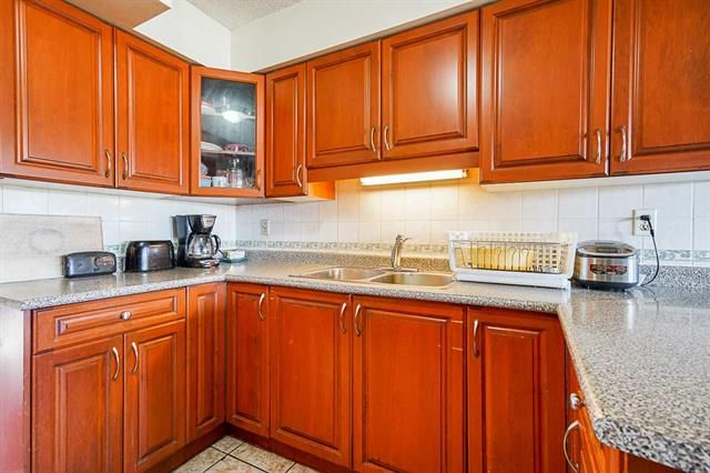Photo 8: Photos: 6644 Canada Way in Burnaby: Burnaby Lake Multifamily for sale (Burnaby South)  : MLS®# R2527595