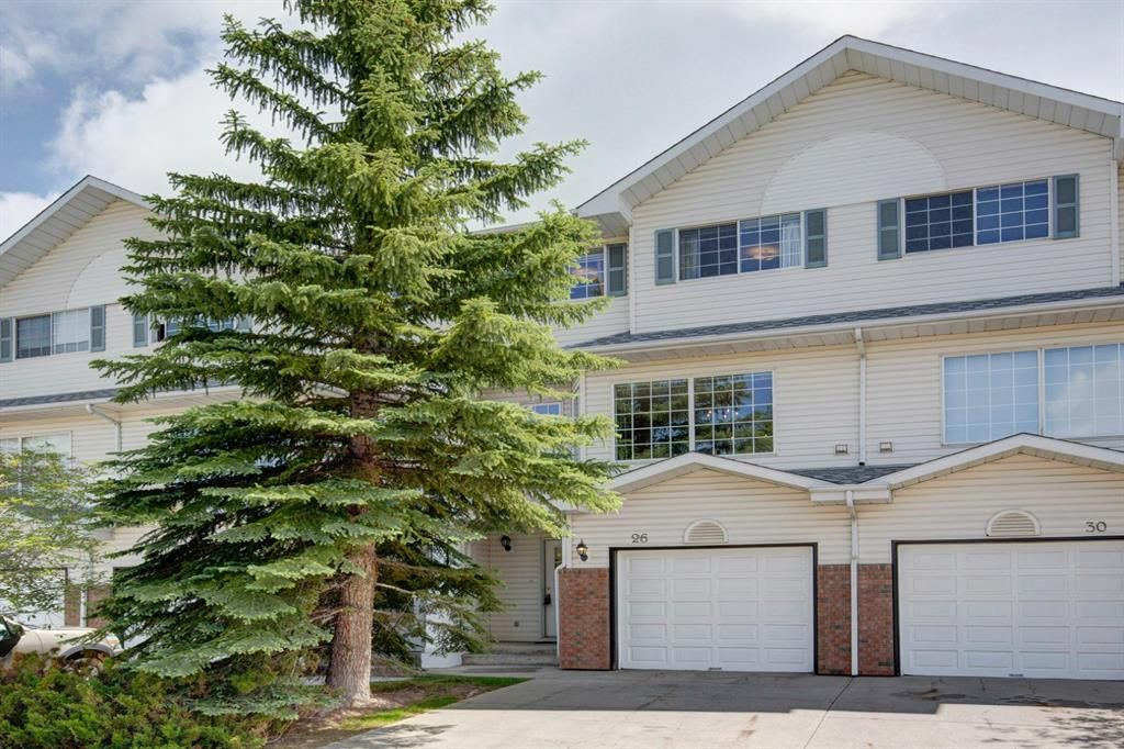 Main Photo: 26 Lincoln Green SW in Calgary: Lincoln Park Row/Townhouse for sale : MLS®# A1069868