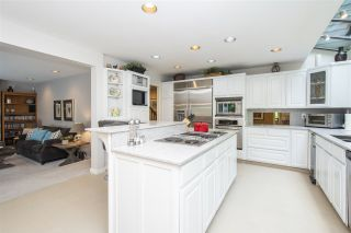 """Photo 8: 1610 PALMERSTON Avenue in West Vancouver: Ambleside House for sale in """"Ambleside"""" : MLS®# R2604244"""
