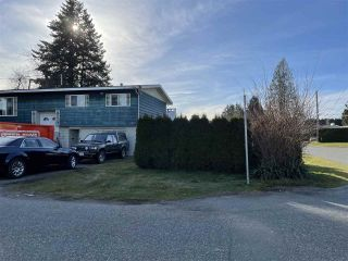 Photo 2: 2131 SANDALWOOD Avenue in Abbotsford: Central Abbotsford House for sale : MLS®# R2548700
