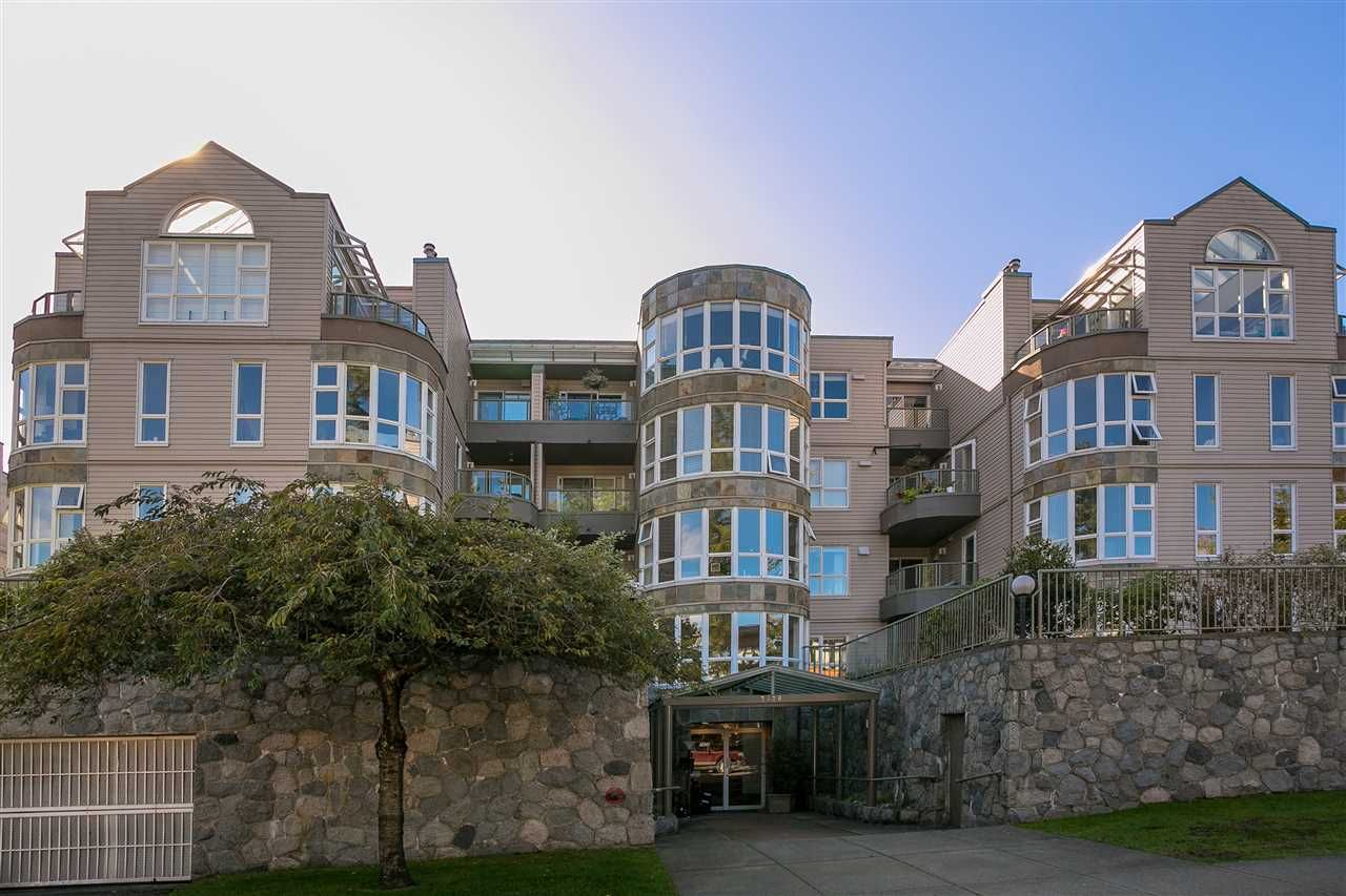 """Photo 16: Photos: 106 2428 W 1ST Avenue in Vancouver: Kitsilano Condo for sale in """"Noble House"""" (Vancouver West)  : MLS®# R2212887"""