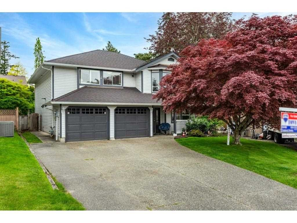 Main Photo: 18937 60A Avenue in Surrey: Cloverdale BC House for sale (Cloverdale)  : MLS®# R2573894