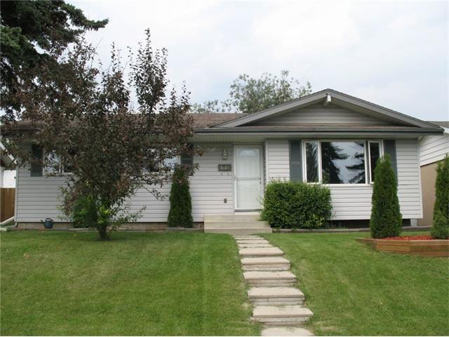 Main Photo: 1832 76 Avenue SE in Calgary: Lynnwood_Riverglen House for sale : MLS®# C4026805