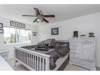 """Photo 11: 43 18181 68 Avenue in Surrey: Cloverdale BC Townhouse for sale in """"THE MAGNOLIA"""" (Cloverdale)  : MLS®# R2191663"""