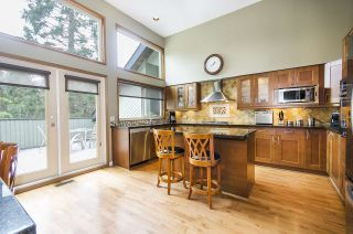 Photo 1: 5660 PTARMIGAN Place in North Vancouver: Grouse Woods House for sale : MLS®# R2165721