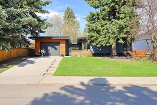 Photo 2: 2343 Palisade Drive SW in Calgary: Palliser Detached for sale : MLS®# A1107876