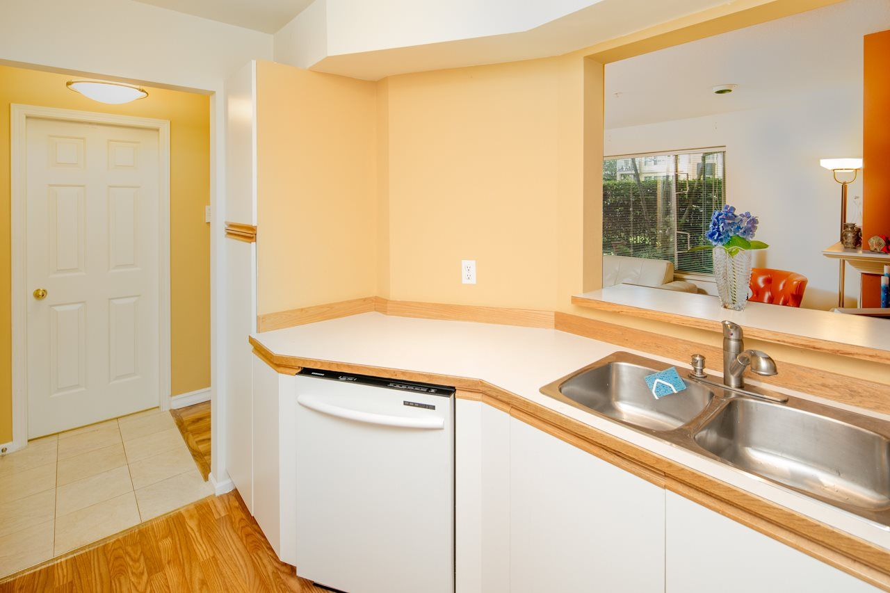 Photo 8: Photos: 109 628 W 13TH AVENUE in Vancouver: Fairview VW Condo for sale (Vancouver West)  : MLS®# R2205140