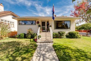 Photo 2: 1907 Stanley Ave in : Vi Fernwood House for sale (Victoria)  : MLS®# 886072