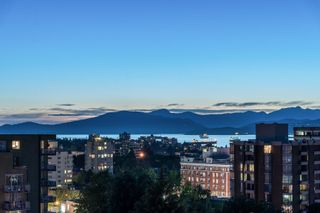 """Photo 8: 11 1350 W 14TH Avenue in Vancouver: Fairview VW Condo for sale in """"THE WATERFORD"""" (Vancouver West)  : MLS®# R2617277"""