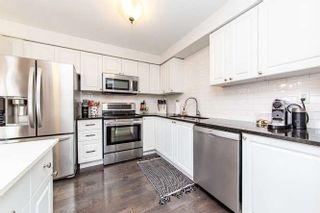 Photo 5: 17 Graham Court in Whitby: Pringle Creek House (2-Storey) for sale : MLS®# E4443995