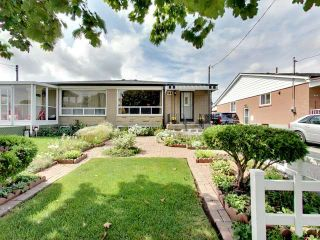 Photo 1: 144 Santamonica Boulevard in Toronto: Clairlea-Birchmount House (Bungalow) for sale (Toronto E04)  : MLS®# E3609016