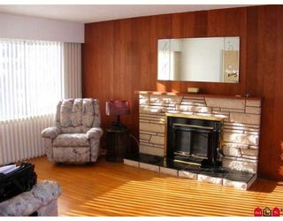 """Photo 2: 15003 CANARY Drive in Surrey: Bolivar Heights House for sale in """"Birdland"""" (North Surrey)  : MLS®# F2801847"""