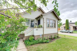 Photo 1: 831 G Avenue North in Saskatoon: Caswell Hill Residential for sale : MLS®# SK856126