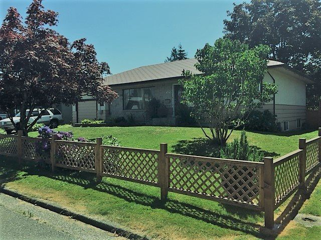 Main Photo: 46170 LARCH Avenue in Chilliwack: Chilliwack E Young-Yale House for sale : MLS®# R2186650