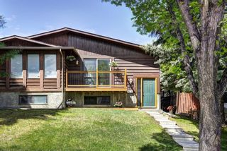 Photo 2: 8347 CENTRE Street NW in Calgary: Beddington Heights House for sale